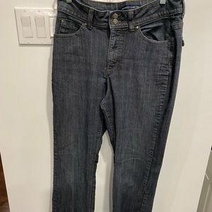 Size 12 jeans by Lee Rider Instantly Slims You